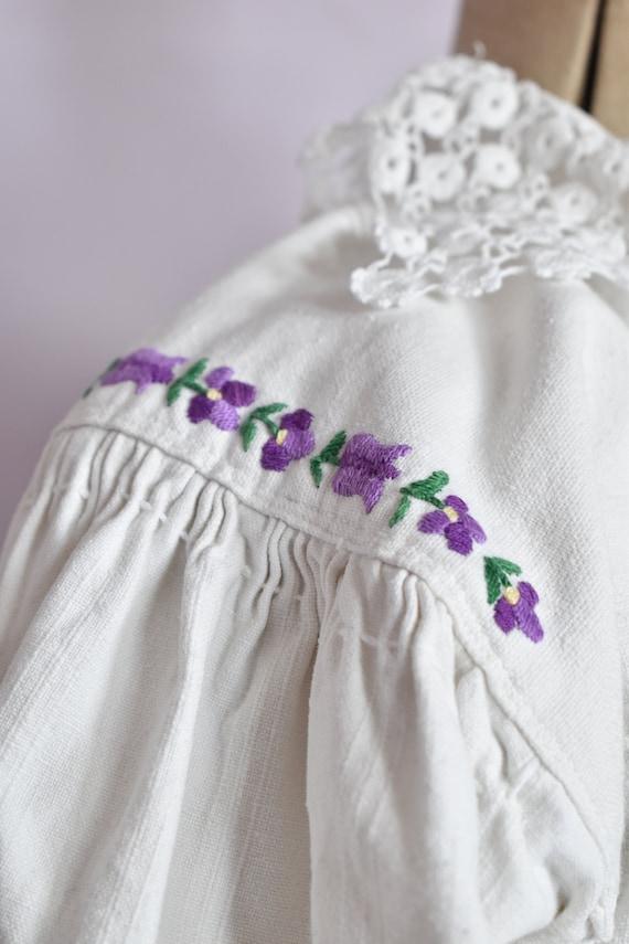 Vintage Antique linen folk floral embroidered pea… - image 7