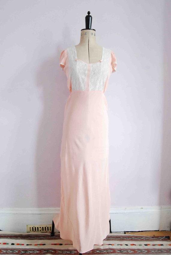 Vintage 1930s pink lace bias cut rayon silk slip … - image 2