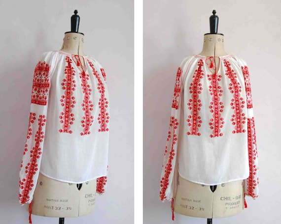 Vintage 1970s Romanian hand embroidered blouse - P