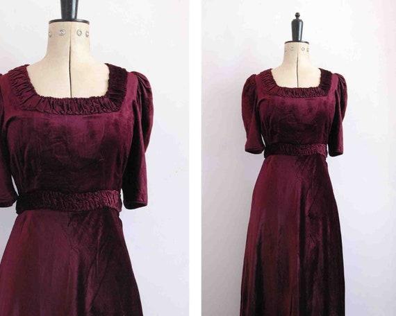Vintage 1930s Burgundy velvet ruffle bias cut dres
