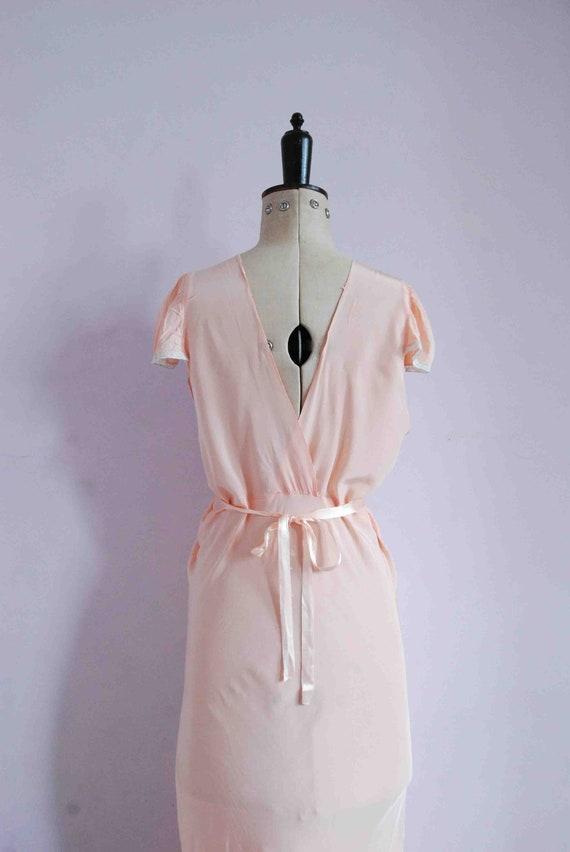 Vintage 1930s pink lace bias cut rayon silk slip … - image 9