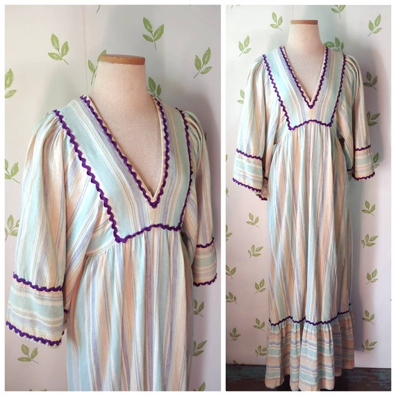 Vintage 70s Young Innocent Arpeja Bohemian Bell Sl