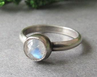 Sterling Silver Moonstone Ring, Dainty Ring, Stacker Ring, Round Moonstone, Rainbow Moonstone Ring, Gifts for Her, Boho Ring, Bohemian Ring