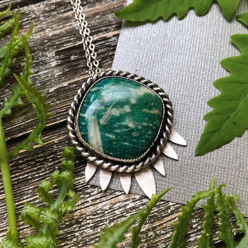 Green Statement Necklace, Amazonite, Green Goddess, Gifts for Nature  Lovers, Tree Lovers, Green Witch, Green Jewelry, Gifts for Hikers,