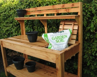 Cedar Potting Bench With Soil Tray