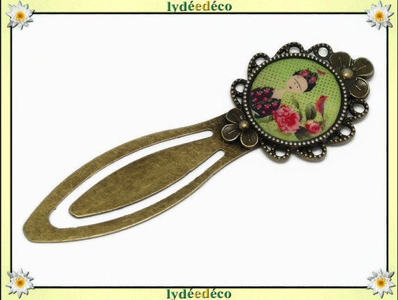 Bookmark Frida Kahlo Butterfly bird flower green pink resin brass bronze 20mm party of mothers birthday gift Christmas