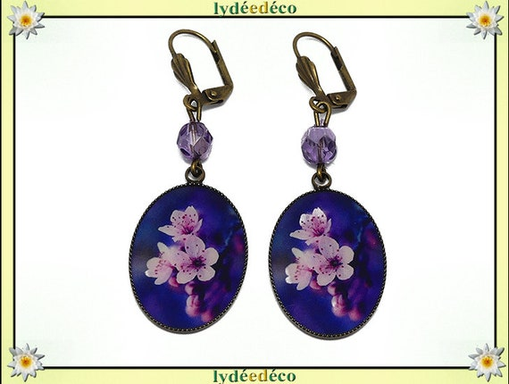 Retro earrings cabochon sakura resin flower Japan pink white purple resin beads bronze faceted 18 x 25mm