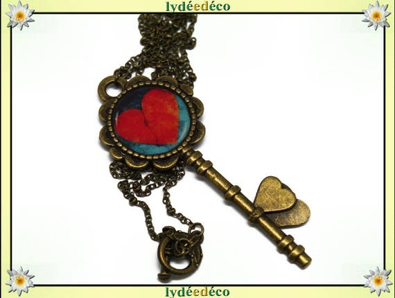 Retro resin key pendant necklace and bronze pattern red blue heart 20mm