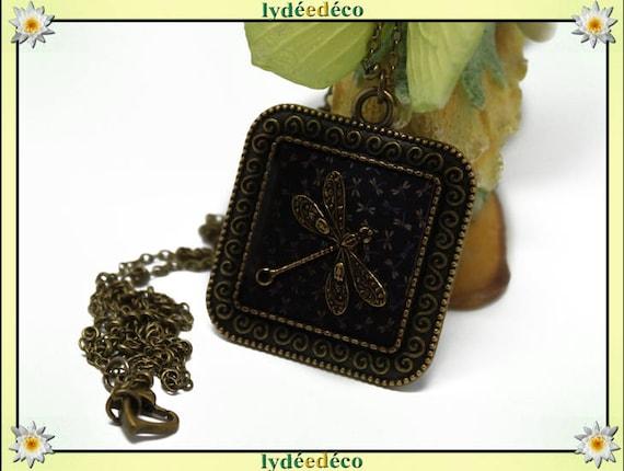 Retro vintage dragonflies Japan blue brown black Medallion retro resin brass necklace bronze Locket 25mm