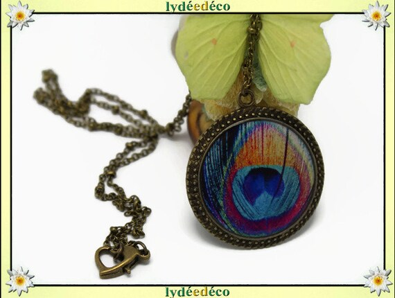 Necklace vintage retro Peacock feather orange blue turquoise rose in resin and brass Locket 25mm