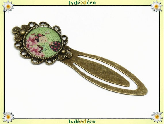 Bookmark Frida Kahlo butterfly green flower pink resine bronze brass 20mm party of mothers christmas birthday gift