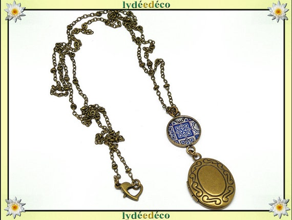 Retro vintage Azulejos Lisboa resin and brass blue white mother's day birthday Christmas gift personalized photo necklace