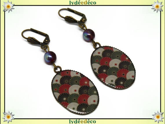 Retro earrings cabochon resin flower Japan Red White Green Khaki Black resin brass fan beads 18 x 25mm