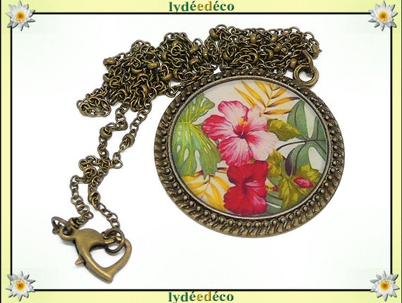 Necklace vintage retro flower Hibiscus pink green yellow white resin and brass Locket 25mm