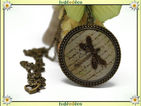 Necklace retro resin Dragonfly Medallion beige sepia Scriptures retro vintage brass bronze Locket 25mm