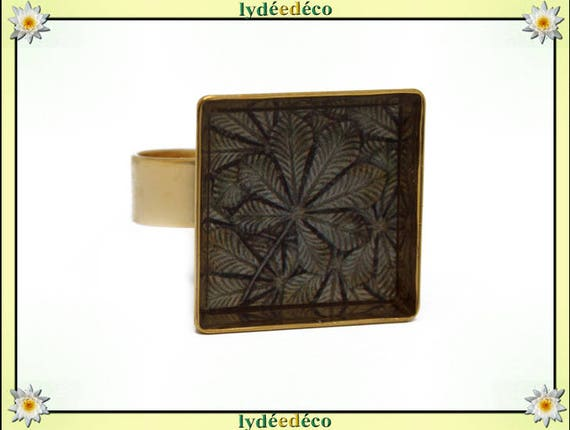 Square ring in 24 carat 24 K gold plated brass leaf resin tree brown beige 17mm adjustable