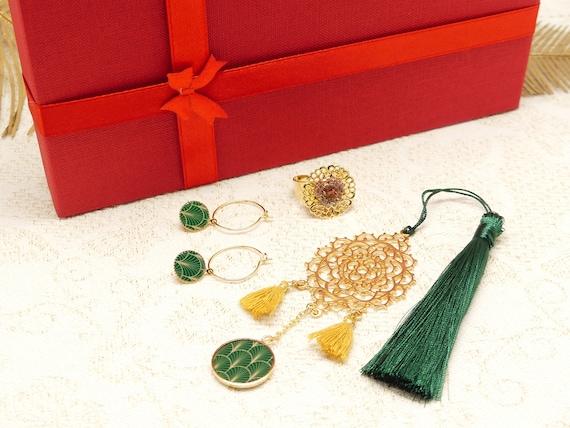 BOX NOEL art deco green golden creoles bookmarks rings pearls resin arabesques pompom gift christmas