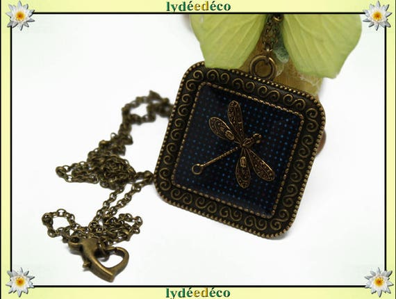 Necklace vintage retro Dragonfly Medallion blue polka dots retro resin and brass Locket 25mm
