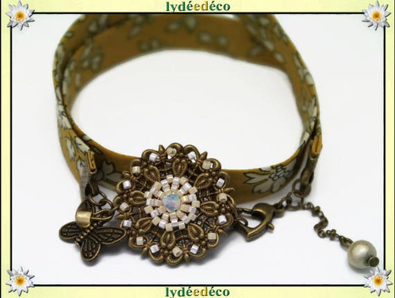 Retro bracelet Pastel print flower liberty white beige beads Japanese Glass Butterfly brass bronze