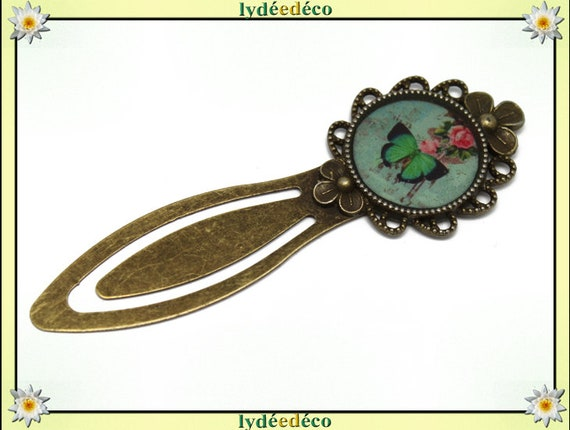 Bookmark retro pink butterfly green pastel black resin and brass diameter 20mm