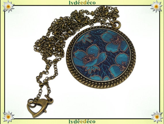 Necklace vintage retro blue Brown flowers resin and brass Locket 25mm heart mother's day personalized gift