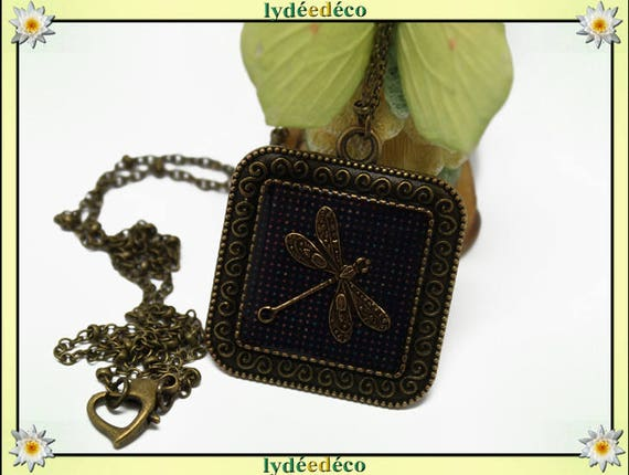 Necklace vintage retro Dragonfly purple polka dot retro resin and brass Locket 25mm Locket