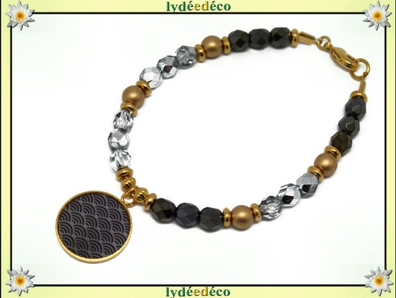 Bracelet resin brass gold 24 carat: Seigaiha waves Japanese gray black gold beads faceted