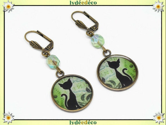 Steampunk cat earrings steampunk green white white cogs brass resin beaded resin party of mothers Christmas birthday gift