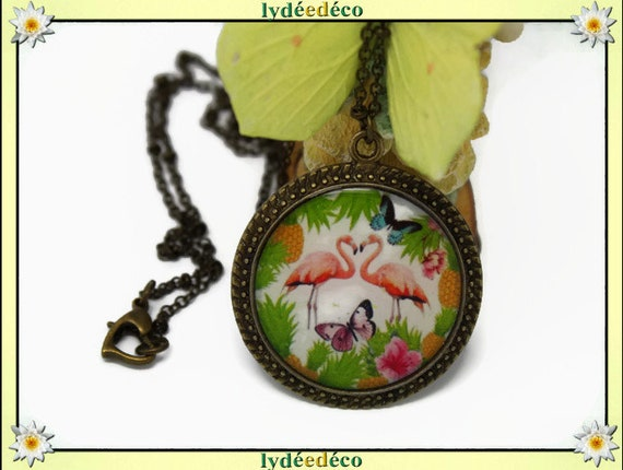 Necklace, retro vintage exotic vintage Flamingo Pink flamingo white green Purple Butterfly resin brass Locket 25mm heart clasp