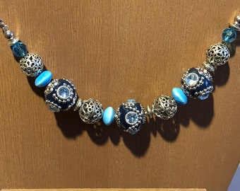 Chunky necklace in shades of Blue and silver