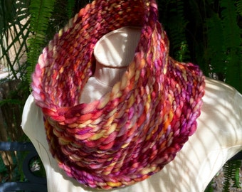 Octobre chiné Col écharpe cercle infini Chunky automne automne couleurs  feuille rouge jaune citrouille Orange prune pourpre Merino laine Audrey  tricotée 78899f2a370