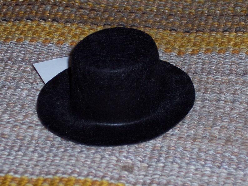 49f9d7b62cd Felt top hat3 inch oval.snowman hatstiffened