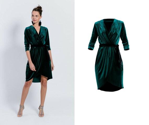 Elegant velvet dress. Formal bottle sleeve green midi envelope outfit. Party cocktail wrap dress for Christmas, breastfeeding.