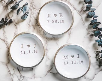 Wedding Ring Dish / Personalized Wedding Ring Holder / Initials & Date Jewelry Dish / Wedding Gift for the Couple / Engagement Ring Dish