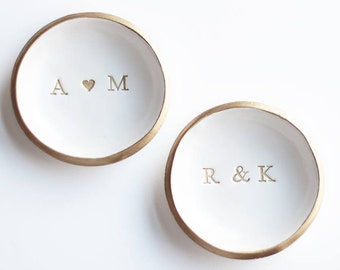 Wedding Ring Dish / Personalized Wedding Gift / Minimalist Ring Holder / Initials and Date Jewelry Dish / Engagement Gift / Anniversary Gift