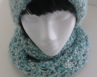 Soft Seafoam Knit Lace Cowel