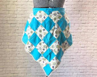 vintage patchwork apron, blue vintage apron, blue quilt half apron, bright handmade half apron, pattern quilt half apron, cotton diamond