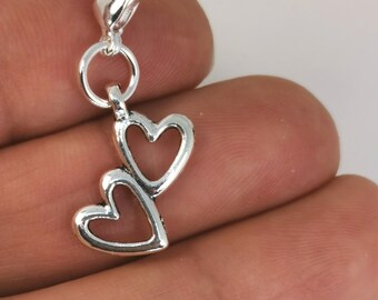 4 PCS SILVER TONE /'MUM/' FLOWER HEART CHARMS 18MM X 17MM 154