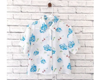 FROSTED FLORAL - White Floral Blouse | Short Sleeved Cropped Blouse | Short sleeve blouse | Cropped Blouse | White Blouse | Size Small