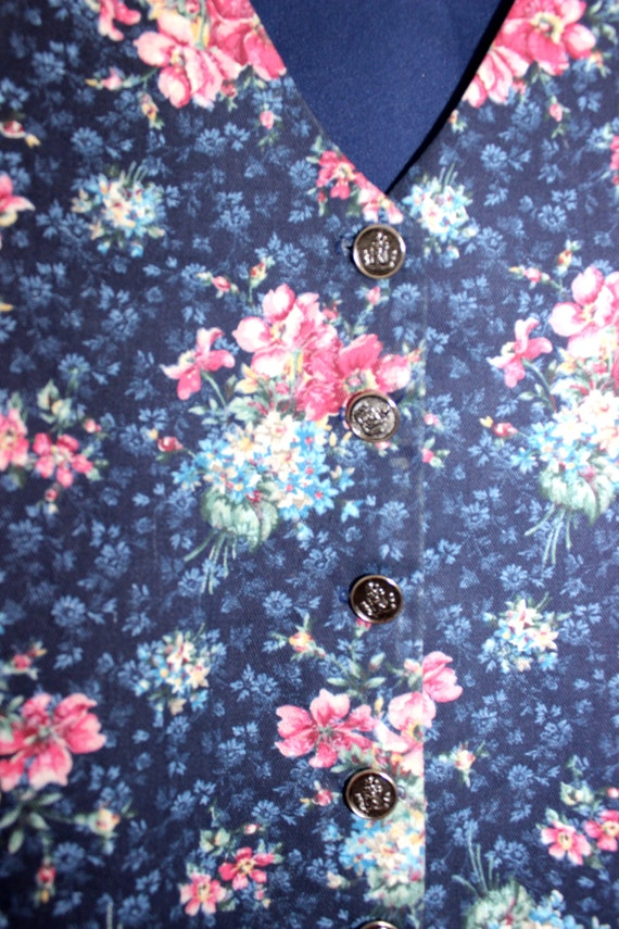 DENIM DAISY - Chambray Floral Vest | Cropped Vest… - image 5
