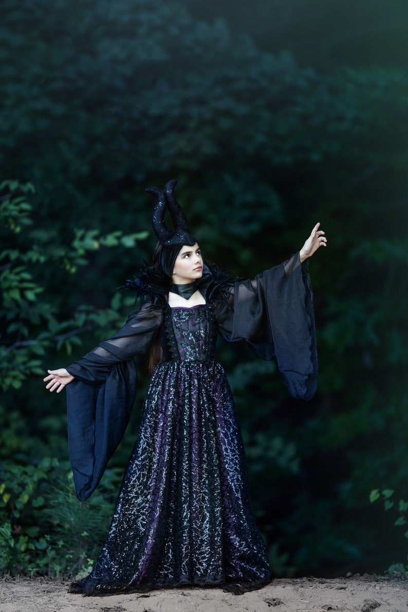 2019 Couture Maleficent Gown Includes Removable Collar Horns Hat Sold Separately