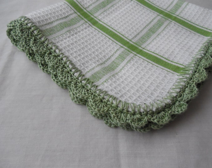 Crochet Edged Dish Cloths - Green and White - Handmade Crochet - Ready to Ship