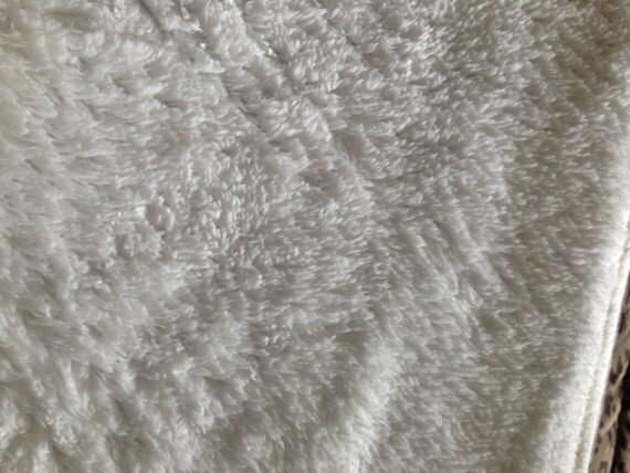 Jeté, gris polaire douce - literie - gris et noir - jet couverture en Polar - réalisé sur commande
