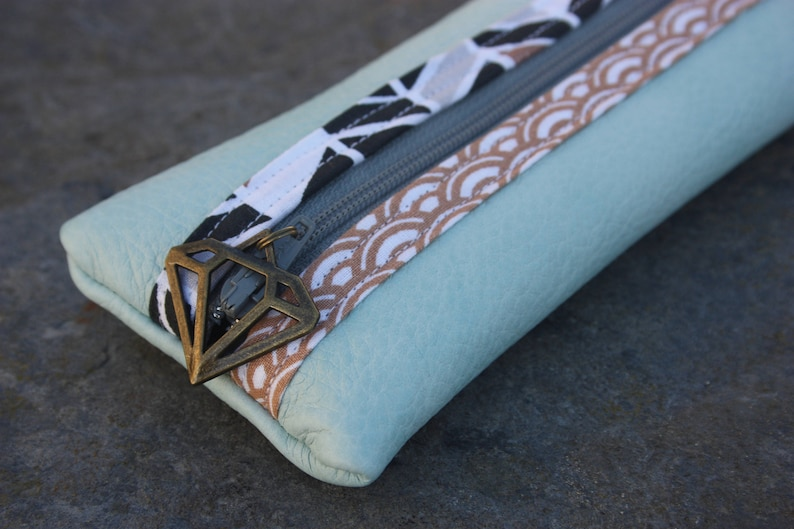 Alix mint green leather pouch