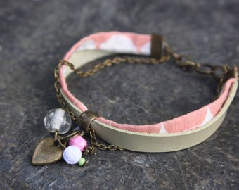"""Printed """"Basil"""", fabric and light green leather bracelet"""