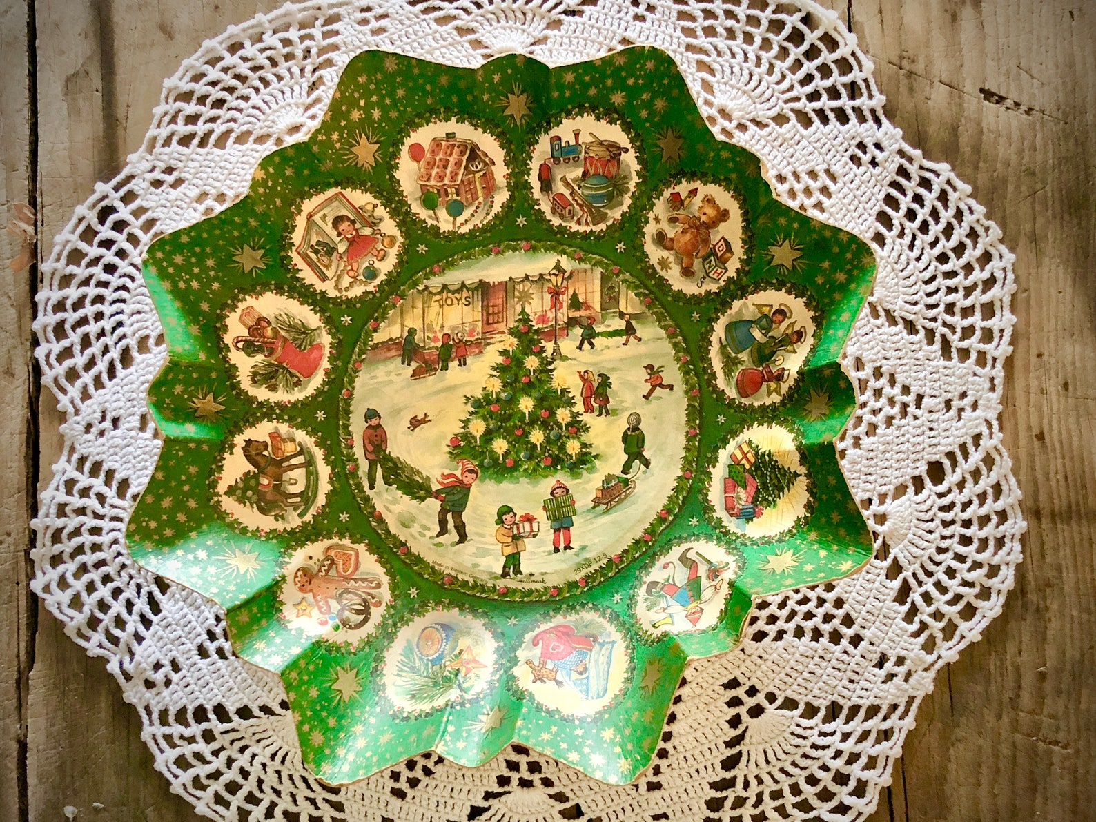 Christmas Hallmark Pressed Paper Cardboard Serving. Bowl Dish Tray Germany Vintage