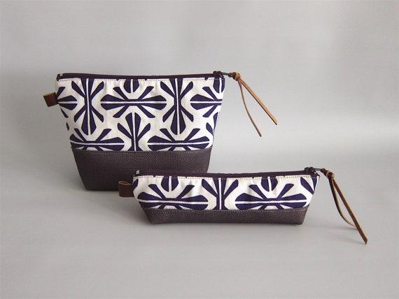 5a931b35821d Toiletry handbag cosmetic bag makeup bag travel bags set