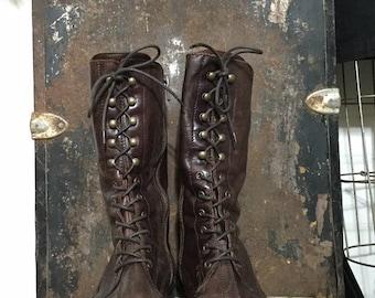 92d890bd5c9 Vintage Distressed Brown Leather Mid Century Renaissance Era Revolution  Granny Slouchy Lace Up Mid Calf Womens Size EU 40 US 9 Boots