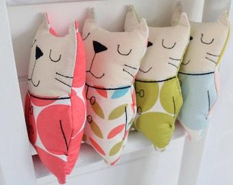 Cat, small stuffed toy