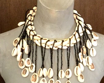 African Bohemian necklace with original vintage Cowrie shells - Bohemian jewelry & African jewelry